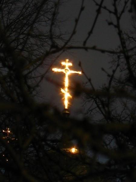 krest-v-nebe