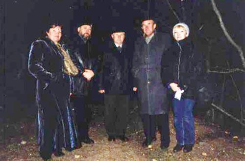 г. Севастополь. Третья пирамида. Светлана Сушкевич (первая слева) и группа В. Гоха