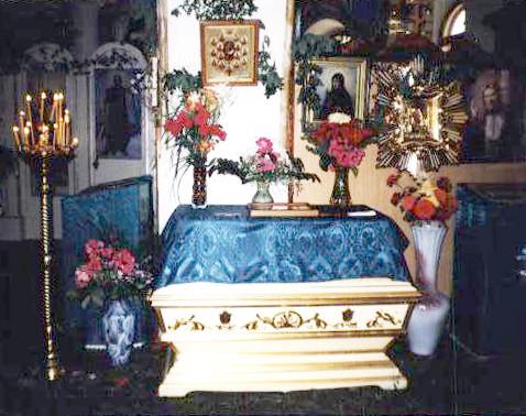 vnutri-monastirya