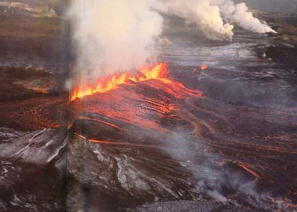 icelandic-rift-eruption_1